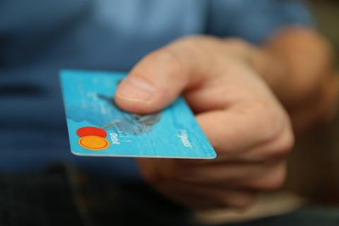 Recupera los intereses abusivos de tus tarjetas de crédito